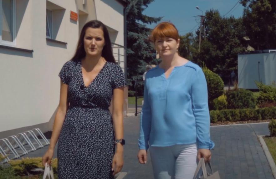 Dyrektor GOPS Agnieszka Gietka-Barańska i Anna MIchalik z GOK-u w Klembowie