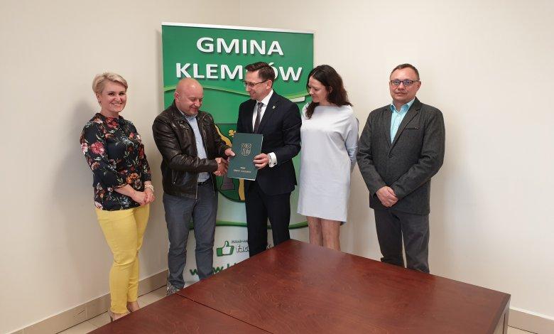Rusza rozbudowa szkoły w Dobczynie